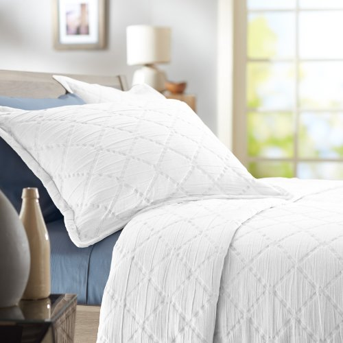 Pinzon 100-Percent Stone Washed Cotton Diamond Matelasse Coverlet, Twin, White