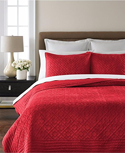 Martha Stewart Collection Diamond Plush Quilt, Full/Queen, Red