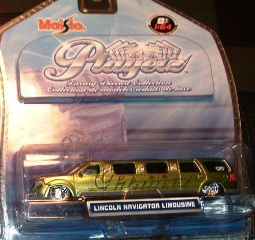playerz-luxury-diecast-collection-lincoln-navigator-limousine-green-w-playerz-logo-164-by-maisto
