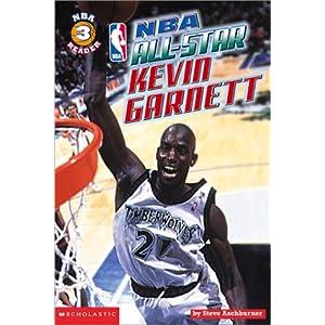 Kevin McHale, Kevin Garnett Hug: Celtics'.