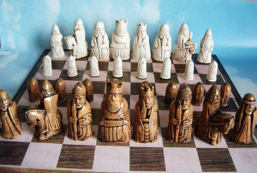 Isle of Lewis Chess Set 3.5 Inch (Maple/ivory)
