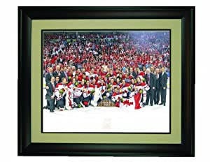 "Team Canada 2010 Hockey Olympic Gold Medal Celebration Framed 16""x 20"" Photo"