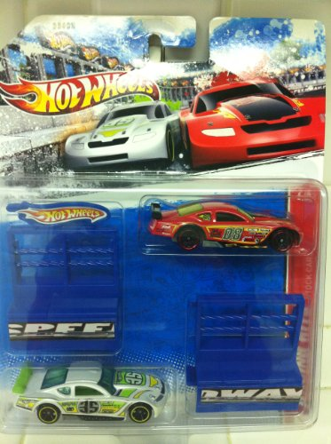 Hot Wheels Racing Kits STOCK CARS #'s 08 and 35 (6 of 12) 2011