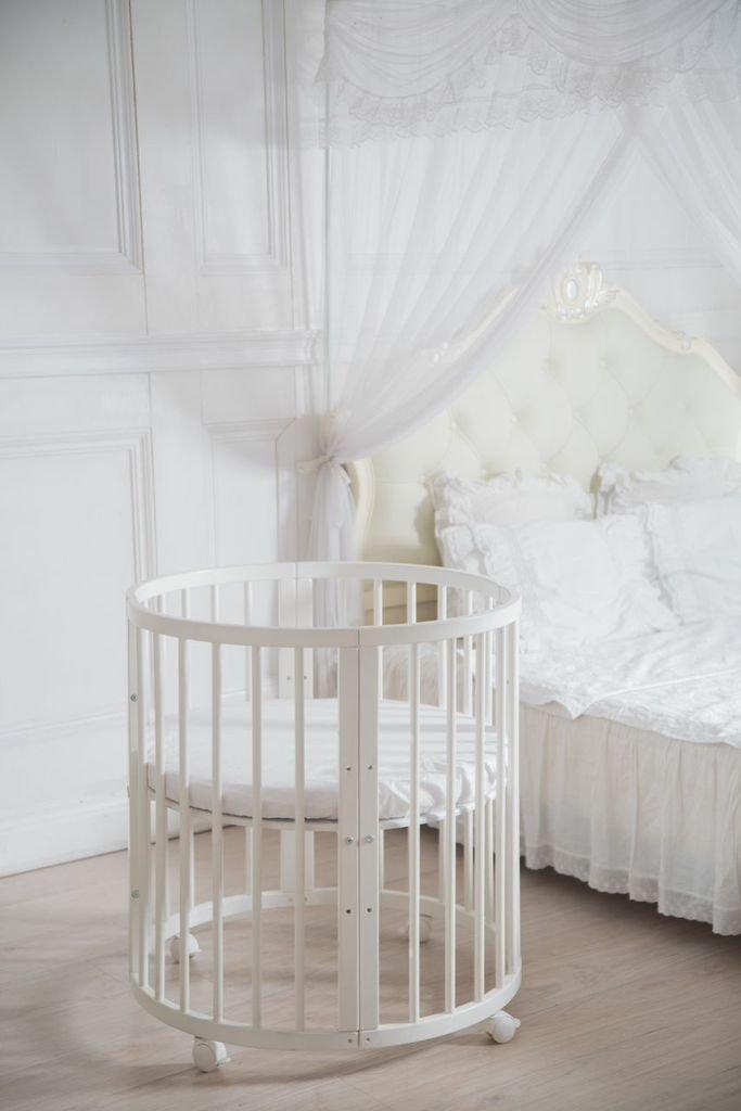 ComfortBaby © – Kinder Baby Bett – Oval – 7 in 1 – aus Buche Massivholz – nutzbar als Kinderbett, Laufgitter, Minibett INKL. Matraze
