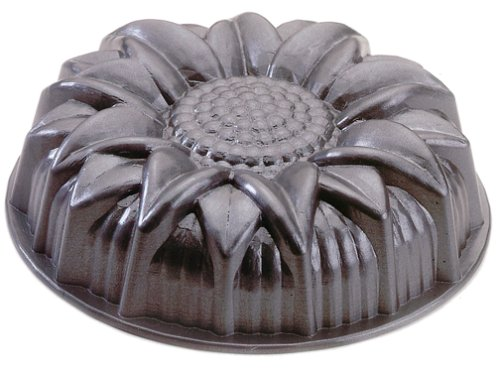 how to make a snake cake with a bundt pan