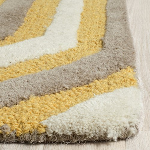 Safavieh Cambridge Collection CAM351Q Handmade Gold and Grey Wool Area Rug, 3 feet by 5 feet (3' x 5')