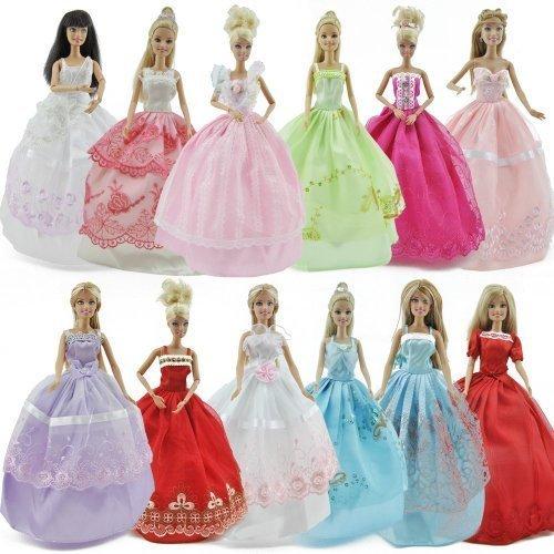 neuf-5-barbie-robes-vetements-et-10-paires-de-chaussures