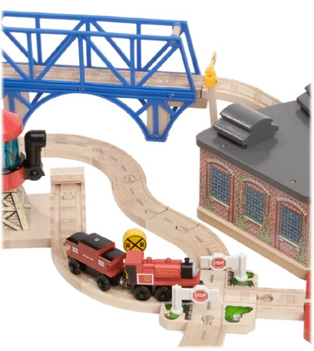 Thomas & Friends Wooden Railway - Tidmouth Sheds Deluxe Set | Toys ...
