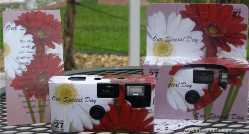 A 10 Pack of Daisy themed 35mm disposable wedding cameras with 35mm color film, 27 exposures, Wedding Favor for Candid Photos