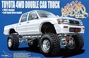 Aoshima Toyota Hilux 4WD Double Cab Truck '92 1/24 w/ Super Swamper Tires
