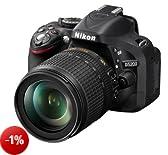 Nikon D5200 Fotocamera Digitale SLR, 24.1 Megapixel, Display TFT da 7.6 cm (3 Pollici), Full HD, HDMI, kit incl. Obiettivo AF-S DX 18-105mm VR, Colore Nero [Versione EU]