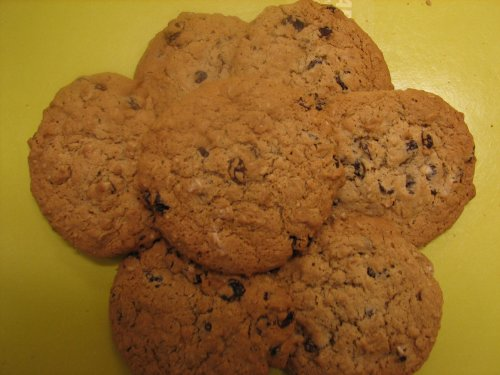 Homemade Oatmeal Raisin Cookies - 1/2 Dozen