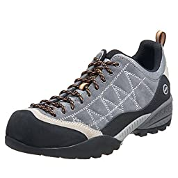 Scarpa Men\'s Zen Multisport Shoes Smoke / Fog 41 and Hiking Sock Bundle