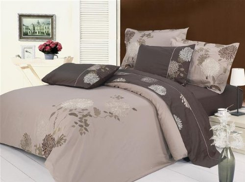7 Piece Duvet Cover and Sheet Set in Chrysanthemum Size: Queen