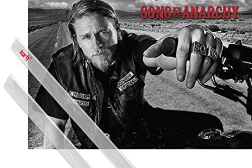Poster + Sospensione : Sons Of Anarchy Poster Stampa (91x61 cm) Jackson Jax Teller E Coppia Di Barre Porta Poster Trasparente 1art1®