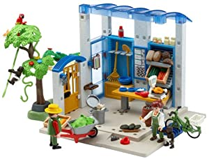 Playmobil Feeding Station
