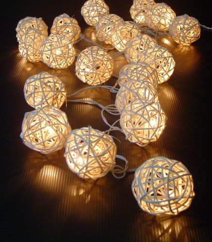 Quality Uk Wedding Supplies Creamy White Rattan Cane Balls Fairy Light String 220V 3 Meters Long