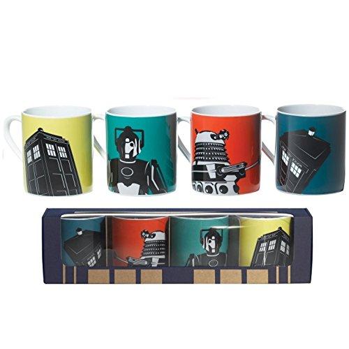 BBC DOCTOR DW Who® ufficiale DOCTOR Who-Tazza da caffè in ceramica, Set di tazze con scatola regalo, 4 pezzi, con Tardis e Dalek e Cyberman