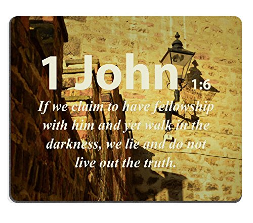 "Versi della Bibbia all'interno, 1 con citazione di John 1_6 se richiesta, ha ancora fellowship con lui e walk in the darkness we live non trovarsi la verità MSD personalizzato, realizzata in Neoprene e ""con Mouse Pads"