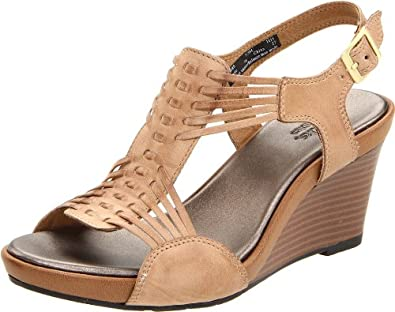Clarks Women's Star Gaze Wedge Sandal,Beige Leather,11 M US