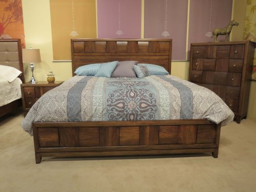 Roundhill Furniture Calais Solid Wood Construction Bedroom Set With Bed Dresser Mirror Night