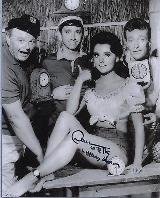Dawn Wells Signed Gilligan's Island Mary Ann Super Leggy Pose 8x10 Photo