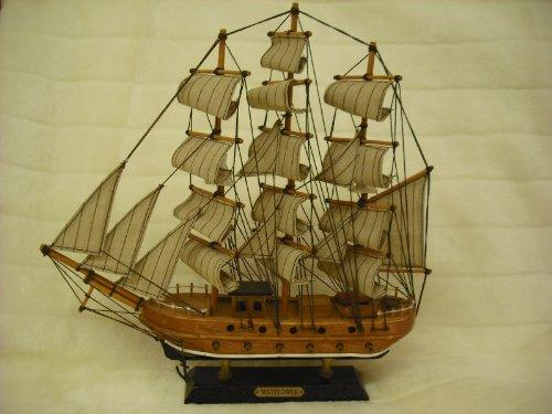MAYFLOWER MINATURE SHIP