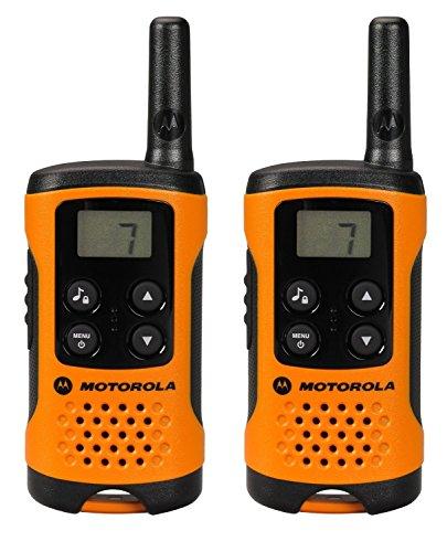 <p>Los walkies-talkies de Motorola, sencillos, compactos y fáciles de utilizar para toda la familia, son el medio perfecto para mantenerse en contacto siempre. Con un alcance de hasta 4 km (en función del relieve y de las condiciones climáticas) y una autonomía de hasta 16 horas, los Motorola T41 disponen de 8 canales para garantizar la calidad y la seguridad de las transmisiones.</p>