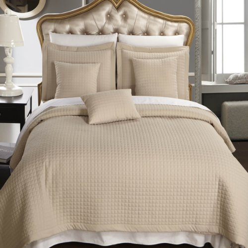 Luxury Hotel Bedding 66786 front