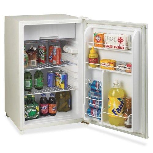 Avanti RM4550W-2 Refrigerator - 4.50 ft
