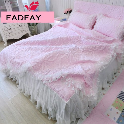 Custom Bedspreads And Comforters front-908802