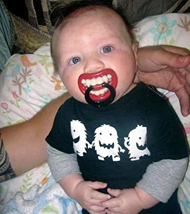 Chupón con dientes decorativos tipo Vampiro. $6.59