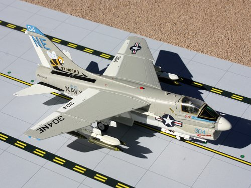 1: 72 ジェミニACE US Navy A-7 Corsair II Stingers (並行輸入)
