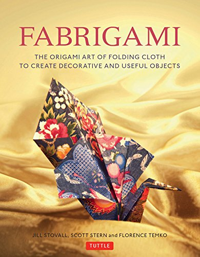 fabrigami-the-origami-art-of-folding-cloth-to-create-decorative-and-useful-objects