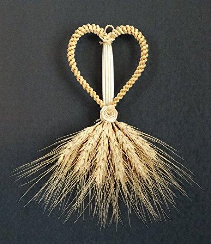 wheat-weaving-heart-straw-art