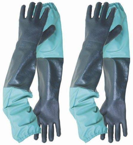 drain-teich-reinigung-im-freien-gartenarbeit-handschuhe