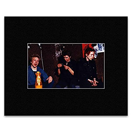 SEX PISTOLS - Denmark Street London 1977 Matted Mini Poster - 14.4x24cm