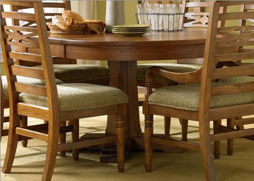 Attic Heirlooms Round Pedestal Table by Broyhill