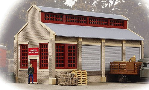 Imagen de Walthers Trainline HO Escala Unidos Trucking Building