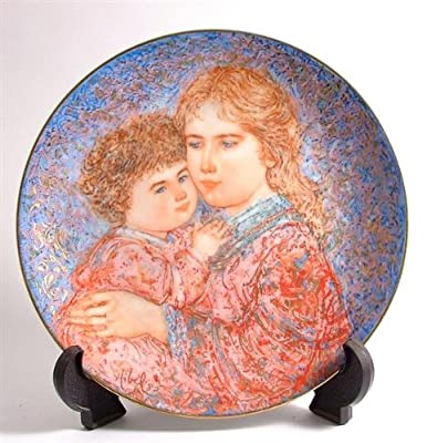 Knowles Edna Hibel Mothers Day plate for 1985 Erica and Jamie CP325