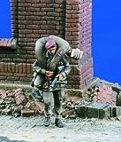 イギリス軍 「遠すぎた橋」負傷者を担ぐ兵士 2体 1:35 Bridge Too Far [VP1604]