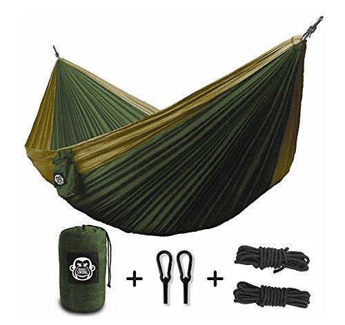 Monkey-Swing-Hngematte-aus-Fallschirm-Nylon-Ultra-Light-275-x-140-cm-180-kg-Traglast-im-Set-mit-Haltegut-und-Karabiner-Outdoor-Trekking-Camping-Hammock-GrnKhaki