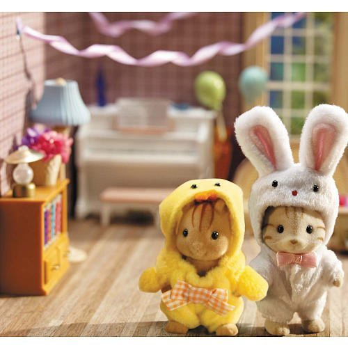 Buy Low Price International Playthings Calico Critters Costume Critters – Bunny and Chick Figure (B001QV8O3W)