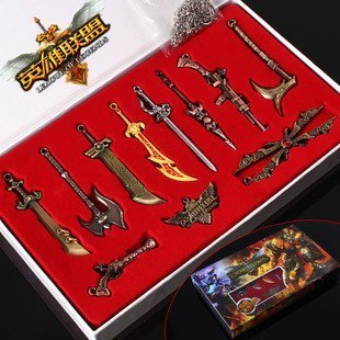 LEAGUE OF LEGENDS LOL - CAJA 11 ARMAS LLAVERO 3-9cm / 11 WEAPONS KEYCHAIN BLADES