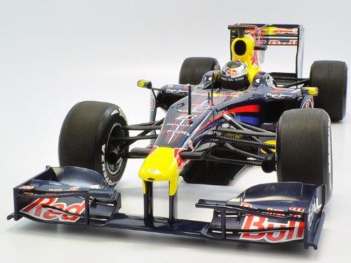 【MINICHAMPS/ミニチャンプス】1/18 レッドブル レーシング S.ベッテル ショーカー 2010