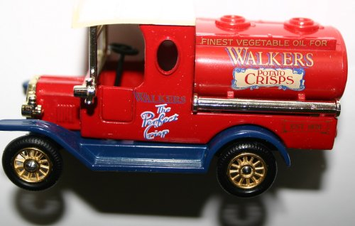 Lledo Walkers The Perfect Crisps Finest Vegetable Oil Est 1820 Rare Collectors Model Brand New and Boxed