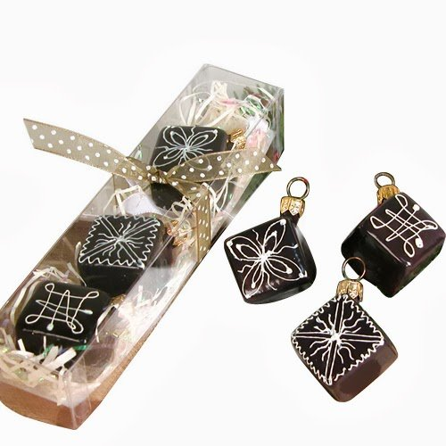 Ornaments to Remember: Petits Fours Christmas Ornament