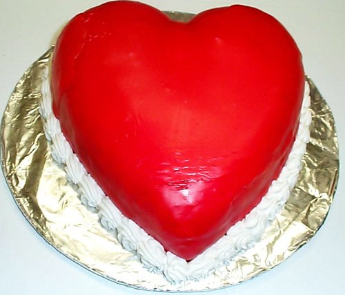 Scott's Cakes Vanilla Heart Cake 9