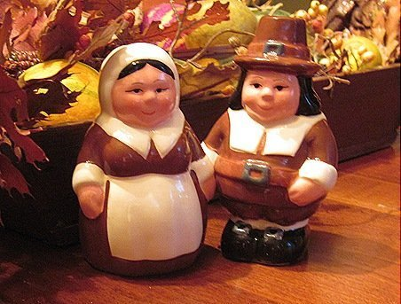 the-pilgrim-pair-encore-edition-animated-salt-pepper-shakers-set-from-the-publix-television-commerci