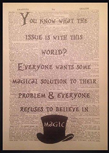 Stampa in stile dizionario vintage, motivo: Alice nel paese delle meraviglie, con citazione in inglese del Cappellaio Matto
